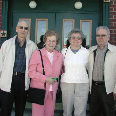 Our 2005 meet up for Lunch. Ken, Norma, Lois and Al. - Ken Butler