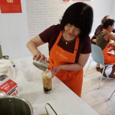 Making Milk Tea in a cooking class - linda Ho