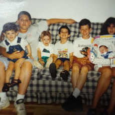 A summer visit to CT with 6 of your 8 first cousins.  Nick, Josh, Seb, Johnny, Brianne and baby Andreanna. June 1984 - Aunt Cathy