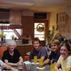 Cooper visiting Joe & Bertha in June 2006 - Chris Cooper